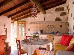 Schau Dir dieses großartige Inserat bei Airbnb an: Gran Canaria  Land Ferienhaus  - Villen zur Miete in Teror