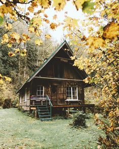 Tiny House Plans Idea For Your Family 26 Cabin Tent, Log Cabin Homes, Cozy Cabin, Log Cabins, Magic Places, How To Build A Log Cabin, Cabin In The Woods, Cabins And Cottages, Small Cabins