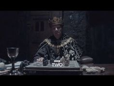 Benedict Cumberbatch takes on Richard III in 'The Hollow Crown' Dream Theater, Movie Theater, Movie Tv, The Hollow Crown, Benedict Cumberbatch Interview, Bbc Two, Plantagenet, Wars Of The Roses, Shakespeare Plays