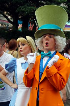Alice and the Mad Hatter, Alice in Wonderland.