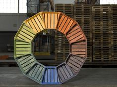 Swiss designer Sibylle Stoeckl has come up with a new way to repurpose old and discarded wood pallets. In a series called Le Cageot, Stoeckl takes standard crates and turns them into modular pieces.