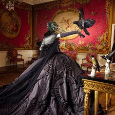 "Stephen Jones: ""Crow"" Mask, 2006 John Galliano: ""Maria Luisa"" dress (black silk taffeta) f Dior Haute Couture, The Crow, Christian Dior Couture, Dior Haute Couture, Fashion Images, Fashion Art, Gothic Fashion, Timeless Fashion, Dark Fashion, House Of Worth"