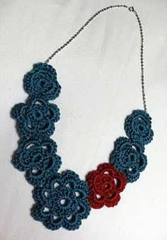 crochet flower necklace tutuorial