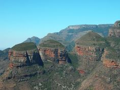 Three Rondavels Panorama Route South Africa uploaded in South Africa Travel Guide: African Love, In And Out Movie, Out Of Africa, Beaches In The World, Africa Travel, Science And Nature, Continents, Cool Places To Visit, Wonders Of The World