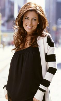 I love Bobbie Thomas from the today show.. beautiful and amazing hair!
