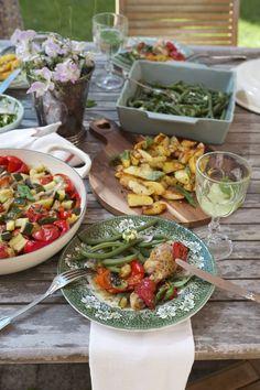 Danie jednogarnkowe, czyli podudzie kurczaka z soczystymi pomidorami, czosnkiem i papryką.