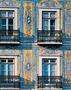 Make your 48 hours In Lisbon, Portugal truly memorable - via Architectural Digest India Sintra Portugal, Visit Portugal, Spain And Portugal, Portugal Travel, Portuguese Culture, Portuguese Tiles, Best Beaches In Portugal, Vitrine Design, Day Trips From Lisbon