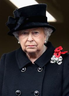 Queen Elizabeth II Photos - Queen Elizabeth II during the annual Remembrance Sunday memorial on November 12, 2017 in London, England. The Prince of Wales, senior politicians, including the British Prime Minister and representatives from the armed forces pay tribute to those who have suffered or died at war. - The Royal Family Lay Wreaths at the Cenotaph on Remembrance Sunday