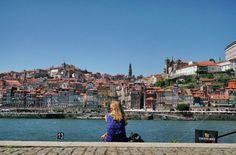Porto - ich höre die Möwen kreischend vorbei fliegen. Es riecht nach frisch gewaschener Wäsche und ich sehe auf die wunderschöne Promenade
