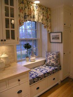 Window Sill Deco - Stylish decoration ideas for the windowsill - Home, Sweet Home - Schlafzimmer Kitchen Interior, Interior Design Living Room, Interior Decorating, Decorating Ideas, Kitchen Decor, Decor Ideas, Kitchen Models, Window Sill, Window Seat Kitchen