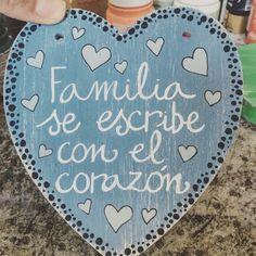 Y es que esta es una de vuestras frases preferidas...  Sé original, regala sonrisas, regala #TheBoxDream ! Quotes En Espanol, Marriage And Family, Ideas Para, Diy Bedroom Decor, Decoupage, Unique Gifts, Inspirational Quotes, Kids Rugs, Ushuaia
