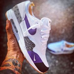 Cute Nike Shoes, Nike Air Shoes, Sneakers Nike, Air Max 1s, Nike Air Max, Jordan Vi, Sneaker Games, French Brands, Custom Shoes
