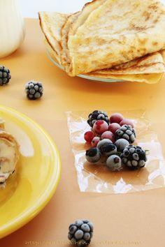 Clatite si fructe de padure Dessert Recipes, Desserts, Ethnic Recipes, Food, Sweets, Mascarpone, Tailgate Desserts, Deserts, Essen