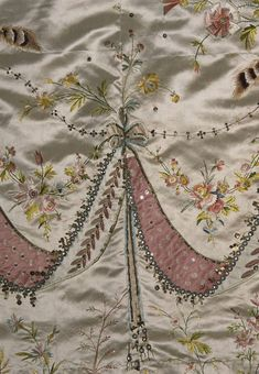 "Rose Bertin : la première styliste Marie Antoinette's two-piece court dress, attributed to dressmaker Marie Jeanne ""Rose"" Bertin, 1780s."