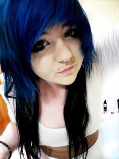 Black Emo Hair | emo girl with black and blue hair. to become true Scene Kid.