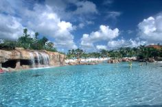 Discovery Cove is a beautiful tropical oasis. Perfect for families with older children. #orlando #florida
