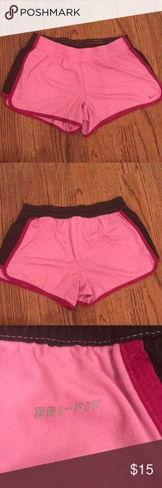 Nike running shorts Worn a few times but in great condition. True to size. Nike Shorts