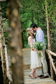 Photo Captured by Kristyn Hogan via Bridal Musings - Lover.ly