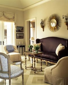 neutral walls and dark settee with blue accents Decor, House Design, Room, Interior, Home, Decor Design, Beautiful Interiors, Vintage House, Beige Room