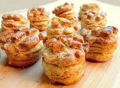 These delicious salty Hungarian Tepertős Pogácsa (Crackling Scones) are simple to make and enjoyed the world over. Hungarian Cake, Hungarian Recipes, Hungarian Food, My Recipes, Bread Recipes, European Dishes, Scones, Biscuits, Breakfast Recipes