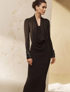 The cowl neckline is thought to have evolved from the monastic robes. Our version is a romantic dress with a built-in tube in stretch jersey to make you look and feel divine.