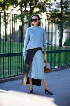 The Best Street Style Looks From Paris Fashion Week Spring 2019 - Fashionista Fashion Week Paris, Fashion Week 2018, Street Style 2018, Spring Street Style, Street Style Looks, Blue Pleated Skirt, Pleated Skirt Outfit, Casual Fall Outfits, Cool Street Fashion