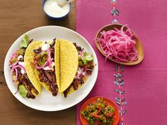 Red Chile Short Rib Tacos recipe from Bobby Flay via Food Network Mexican Fiesta Food, Mexican Dishes, Mexican Food Recipes, Ethnic Recipes, Mexican Tacos, Mexican Chicken, Turkey Recipes, Fish Recipes, Chile