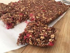 Barre tendre choco-framboises Granola Cookies, Granola Bars, Shake Recipes, Top Recipes, Healthy Treats, Healthy Baking, Barres Dessert, Desserts With Biscuits, Nutrition Shakes