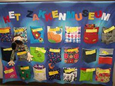 .....het zakkenmuseum.... Helemaal blij mee! Too Cool For School, Art For Kids, Museum, Teaching, Logos, Children, Creative, Projects, Ideas