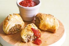 Thai Chicken Sausage Rolls for the Thermomix® - To Cook - Thermomix Sausage Rolls, Chicken Sausage Rolls, Aussie Food, Sweet Chilli Sauce, Thai Chicken, Finger Foods, Cooking Recipes, Yummy Food, Finger Food