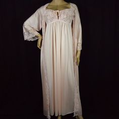 VTG NIGHTGOWN ROBE PEIGNOIR SET S M FLIRTY PINK NYLON LACE WIDE SLEEVES #nightgownset #sissynightgown #nightgownrobe