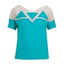 Camiseta azul com recorte transparente; R$ 439,90, da Isabella Giobbi, na Dafiti (www.dafiti.com.br).
