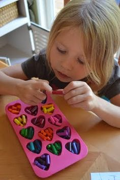 Hot idea for using up broken crayons.  This would be a great gift to make and take to the children's hospital!