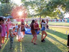 Backsberg Picnic Concerts | Live Entertainment | Cape Winelands | Outside setting | Food and Drinks | Wine and Dine | Friends | Dancing | Music | Artist | Musician | Wine farm | Wine Drinks, Concerts, Music Artists, Dancing, Cape, Dolores Park, Picnic, The Outsiders, Entertainment