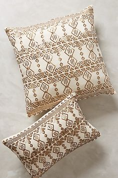 shimmered nescio pillow / anthropologie