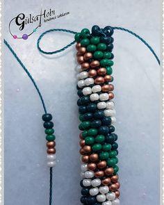 Jewelry Bracelets Videos Hand Made - Jewelry Seed Bead Bracelets Tutorials, Beaded Bracelets Tutorial, Bracelet Designs, Necklace Designs, Beading Tutorials, Crochet Beaded Bracelets, Beaded Necklace Patterns, Beaded Jewelry, Jewelry Bracelets
