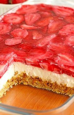 Strawberry Pretzel Dessert - Sugar Apron - - This Strawberry Pretzel Dessert just begging you to make it for your next summer picnic or bbq to serve. Strawberry Pretzel Salad, Strawberry Desserts, Strawberry Cheesecake, Pretzel Desserts, Cold Desserts, Sweet Desserts, Bbq, Sorbets, Clean Eating Snacks