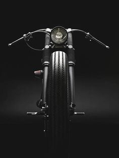 Club Black created by Copenhagen-based garage The Wrenchmonkees in 2010 for a nightclub in Denmark. Based on a Harley-Davidson Sportster. The board-tracker handlebars and discrete headlight are a great touch from an aesthetic perspective. Vintage Motorcycles, Custom Motorcycles, Custom Bikes, Cars And Motorcycles, Custom Bobber, Chopper Harley Davidson, Harley Davidson Sportster, Hd Sportster, Honda