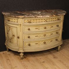 5500€ Italian lacquered demi lune dresser. Visit our website www.parino.it #antiques #antiquariato #furniture #lacquered #antiquities #antiquario #comò #commode #dresser #chest #drawer #golden #gold #decorative #interiordesign #homedecoration #antiqueshop #antiquestore