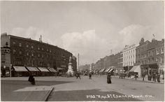 Camden High Street, south end, looking north past the Cobden statue Camden Street, Camden London, Camden Town, Old London, The Bedford, Victorian London, London History, Art Society, London Photos