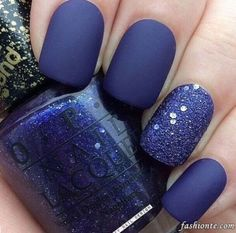 15 Pretty Winter Nail Art Ideas (9)