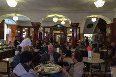 El interior del Café Tomaselli de Salzburgo