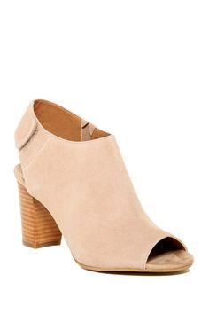 e2f222ce450 Amazon.com  Steve Madden Women s Nonstp Bootie  Steve Madden  Shoes ...