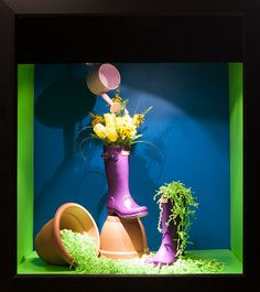 (A través de CASA REINAL) >>>> Colour Window Display 2014, Visual Merchandising Arts at Seneca's School of Fashion.