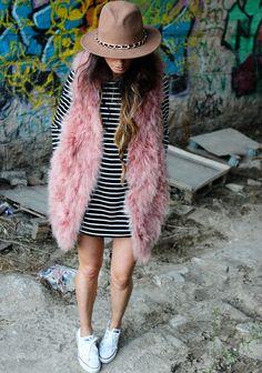 pink faux fur+stripes+Converse