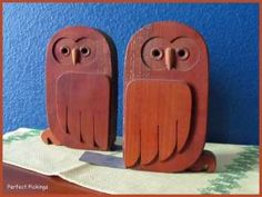 Old Set / Pair of Wooden Owl Book Ends   Unique   Wood Owls