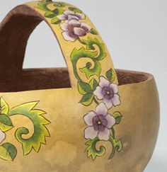 Basket from gourd