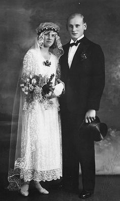 Short Dress wedding 02 :::::::::: Antique Photograph :::::::::: Wedding portrait ~ beautiful short dress with delicate lace work. Wedding Couples, Wedding Bride, Bride Groom, Wedding Gowns, Lesbian Wedding, Wedding Menu, Wedding Ideas, Antique Wedding Dresses, Vintage Weddings