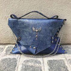 Oops! #evileve Bags, Fashion, Handbags, Moda, Dime Bags, Fasion, Totes, Fashion Illustrations, Purses