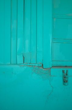 Color - Aqua, Teal, Turquoise: Aqua house